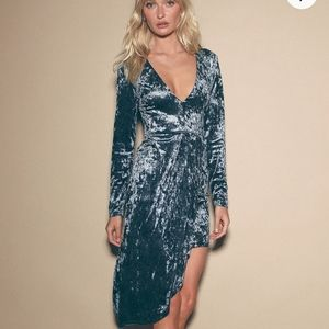 Lulu's Stong Ambition Long Sleeve Velvet Dress